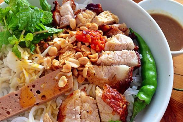 Bún mắm nêm ở Đà Nẵng