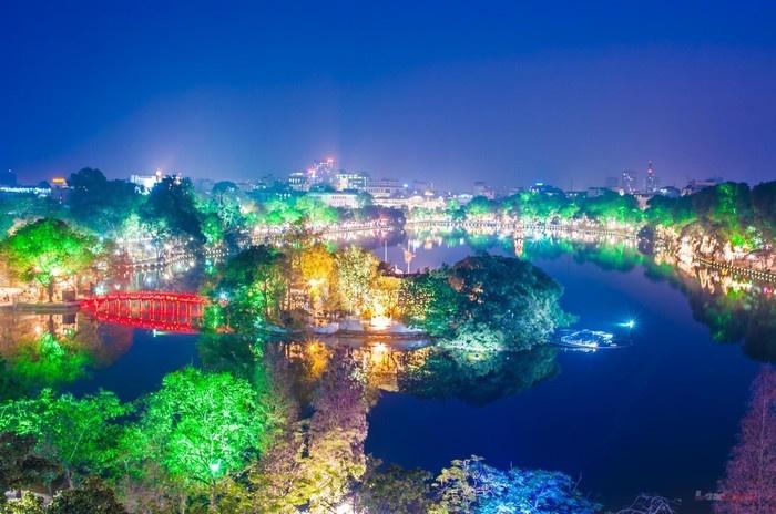 Hồ Gươm về đêm