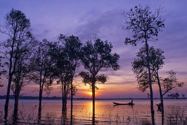 Hồ Ea Kao thơ mộng