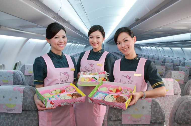 eva-hello-kitty-jet-child-elite-class-meals-759x500