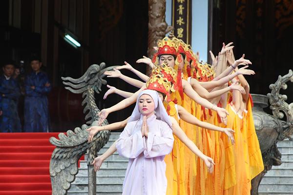 Lễ hội Đền Huyền Trân Công chúa ngày xuân