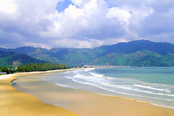 Vẻ đẹp của bãi biển Đại Lãnh