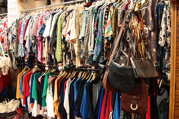 Khu chợ đồ cũ Sài Gòn