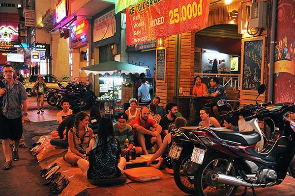 Vui chơi tại phố Sài Gòn