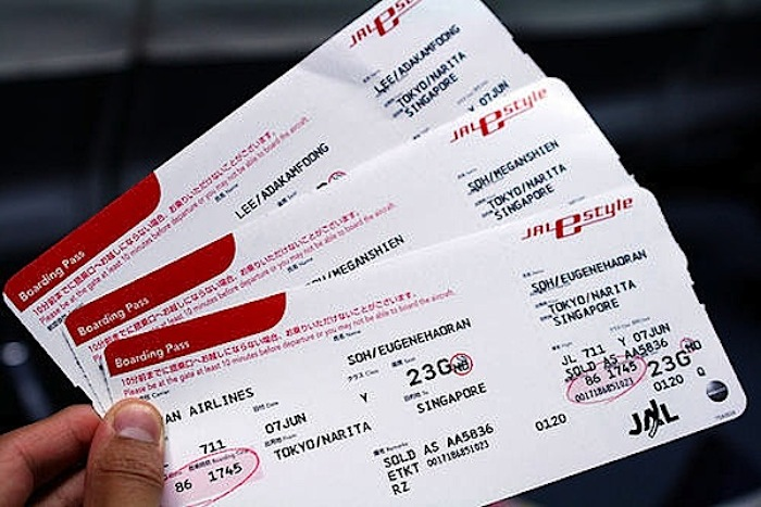 Hướng dẫn cách tính thuế và phí vé máy bay
