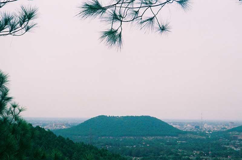 Vẻ đẹp thơ mộng của Núi Ngự Bình