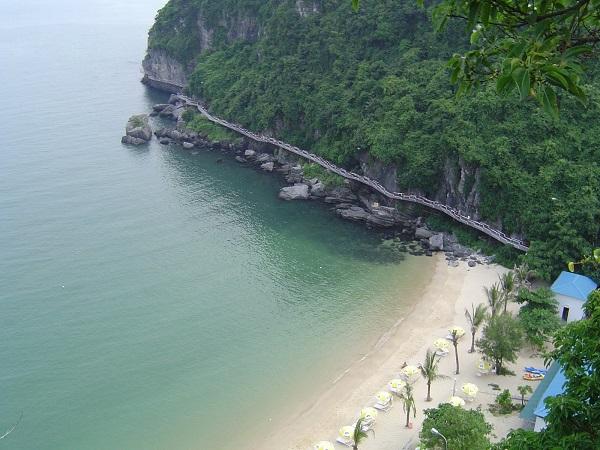 bãi Cát Dứa thuộc quần đảo Cát Bà