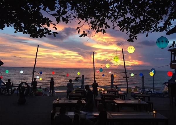 Quán bar Rory's Beach Bar