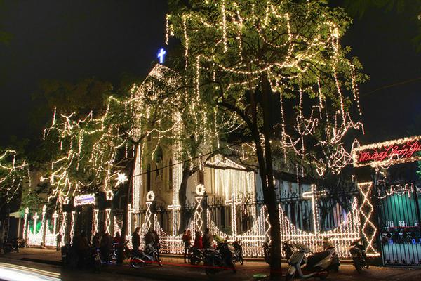 Nhà Thờ Hà Nội trong đêm Giáng Sinh