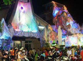 Xóm đạo quận 8 đẹp lung linh vào đêm giáng sinh
