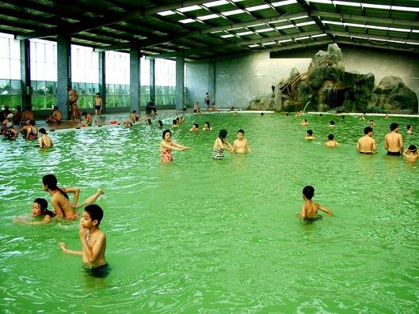 Tắm khoáng nóng Thanh Thủy