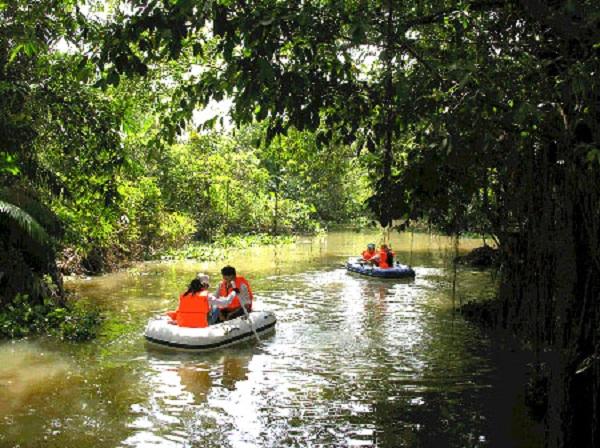 Khu du lịch hồ Tiên Sa