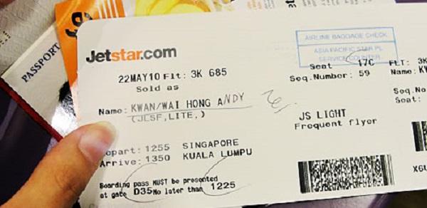 Đổi tên vé máy bay Jetstar