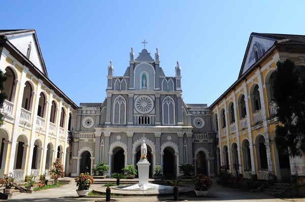 Nhà thờ Làng Sông