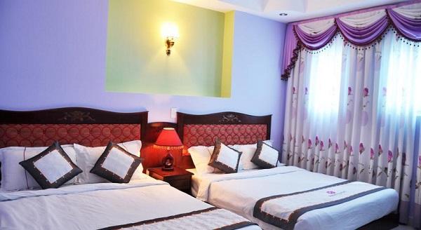 Khách sạnSunflowers Hotel