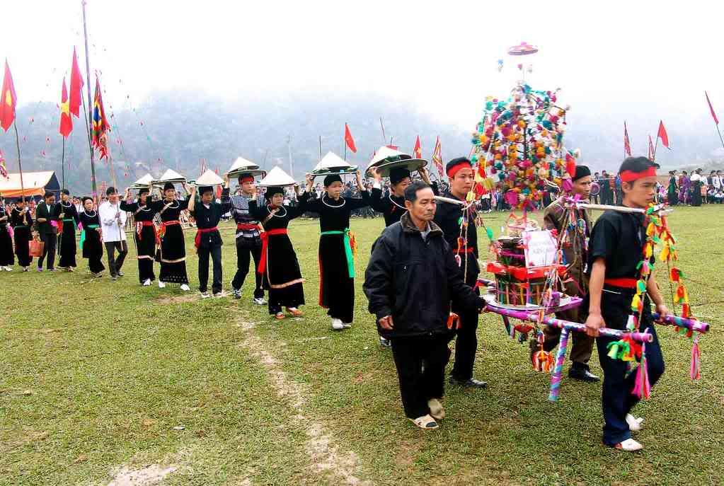 Đến Mai Châu – Hòa Bình tham gia lễ hội cầu mưa