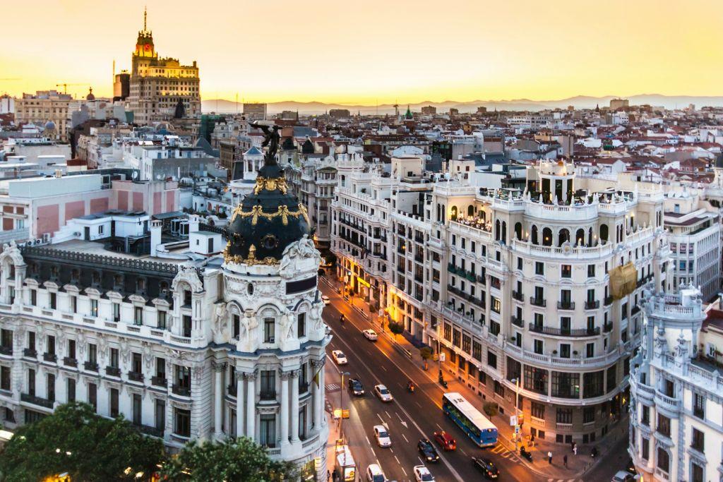 Khám phá vẻ đẹp thủ đô Madrid