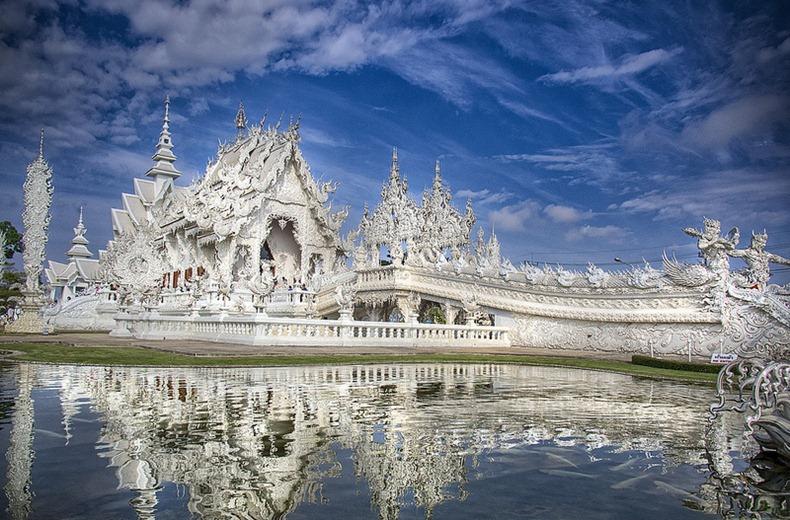 Đền trắng Wat Rong Khun
