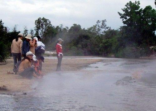 Bãi Suối Nóng
