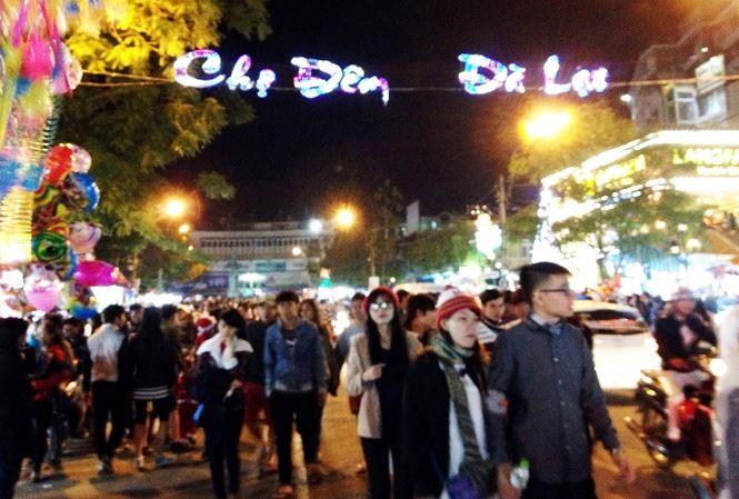 Chợ Đêm Đà Lạt – Chợ Âm Phủ
