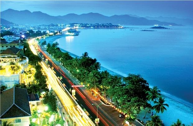 Vé máy bay giá rẻ đi Đà Nẵng tháng 7