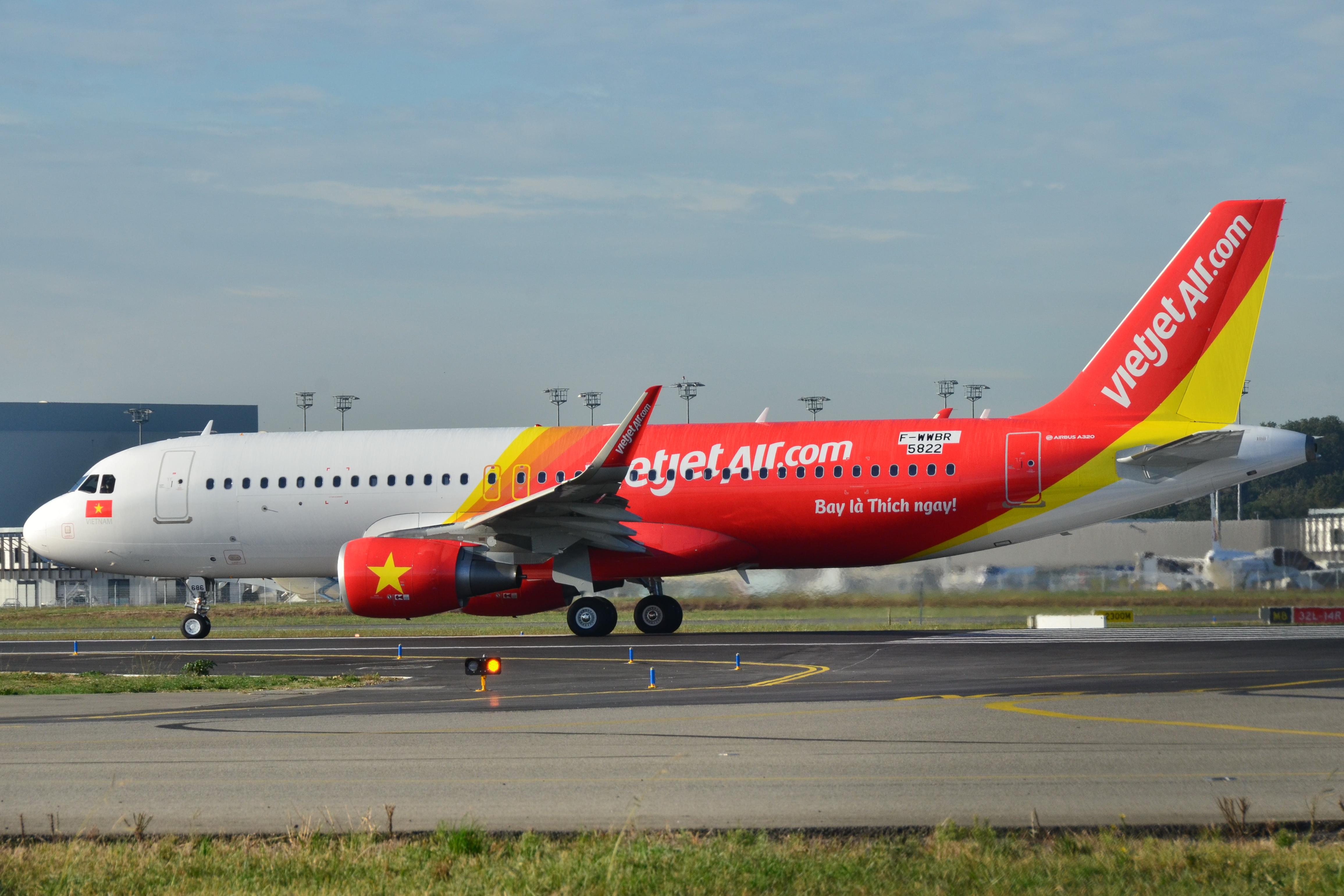 Vé máy bay Hà Nội Đồng Hới
