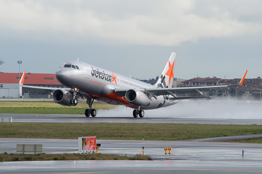 Vé máy bay Jetstar tháng 8